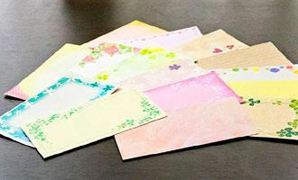 様々な種類のメッセージカードをご用意しております